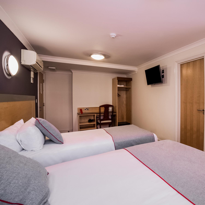 triple rooms copy 3